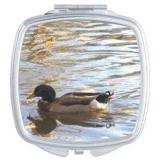 Espejo compacto del pato