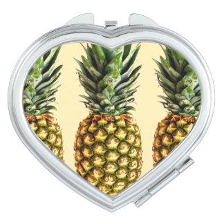 Espejo del acuerdo del corazón del amor de la piña espejos compactos