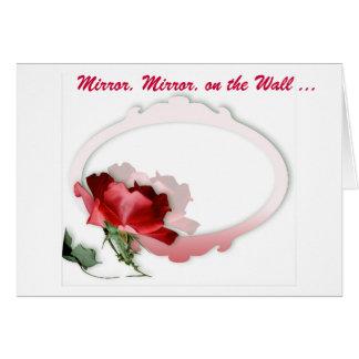 Espejo, espejo en la pared tarjeta de felicitación