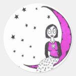 Espeluznante sobre la luna etiqueta redonda