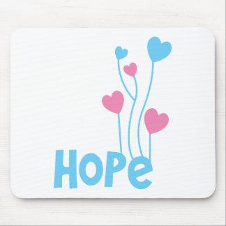 Esperanza con los globos del corazón tapetes de ratón