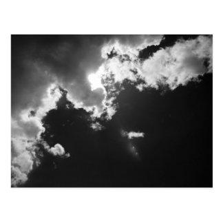 Esperanza en el lado positivo de las nubes postal