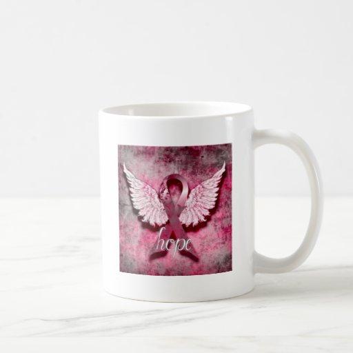 Esperanza rosada de la cinta por los diseños de taza