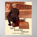 Esperar el tren. Circa 1915. Poster