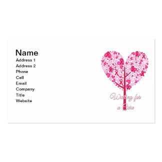 Esperar un árbol de cinta del rosa del cáncer de tarjetas de visita