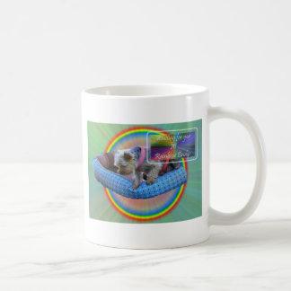 Esperarle en el puente del arco iris taza de café
