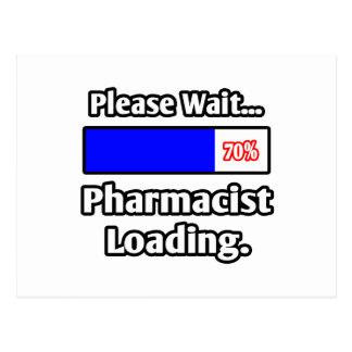 Espere por favor… el cargamento del farmacéutico postal