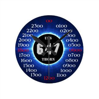 Espina de USS (DD-647) Reloj Redondo Mediano