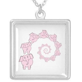 Espiral de elefantes rosados. Historieta de la div Colgante Cuadrado