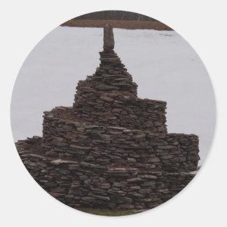 Espiral de la roca pegatina redonda