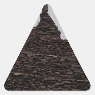 Espiral de la roca pegatina triangular