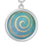 """""""Espiral de oro en azul claro"""" por el arquero de Collares Personalizados"""