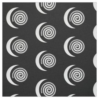 Espiral de plata de la luna en negro telas