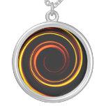 Espiral del naranja del fuego collar personalizado