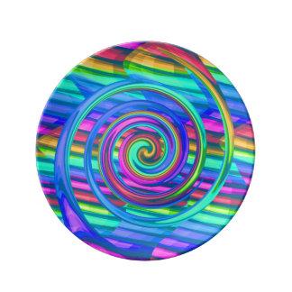 Espiral estupendo del arco iris de la turquesa con platos de cerámica