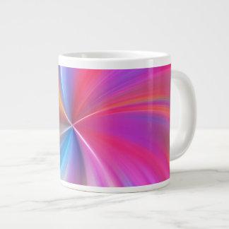 Espiral plumoso del arco iris taza grande