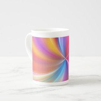 Espiral plumoso del arco iris taza de porcelana