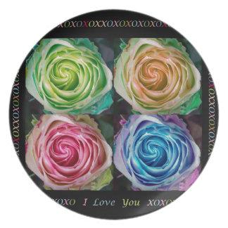 Espirales color de rosa coloridos con amor plato