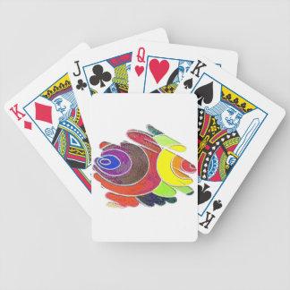 Espirales del arco iris en los naipes blancos cartas de juego