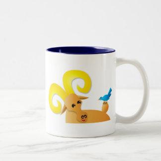 Espolón y pájaro del cabra montés taza de dos tonos