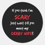 Esposa de Derby Etiqueta Redonda