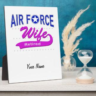 Esposa de la fuerza aérea jubilada placas con fotos