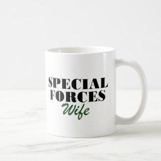 Esposa de las fuerzas especiales taza clásica