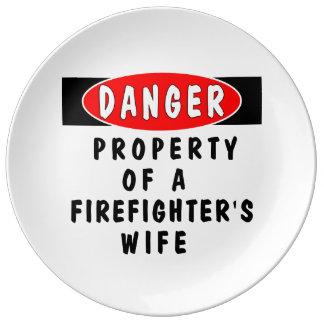 Esposa del bombero platos de cerámica