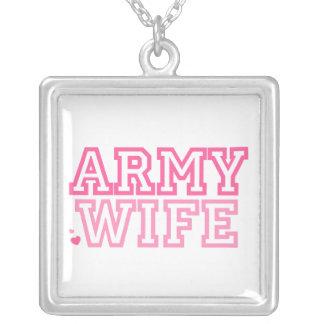 Esposa del ejército collar plateado