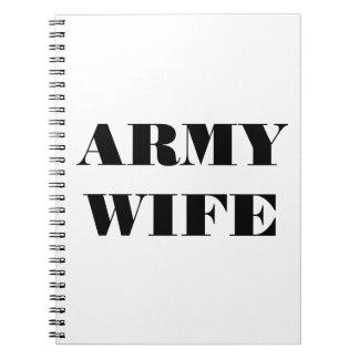 Esposa del ejército del cuaderno