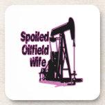 Esposa estropeada rosa del campo petrolífero posavasos de bebida