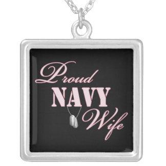 Esposa orgullosa de la marina de guerra colgante cuadrado