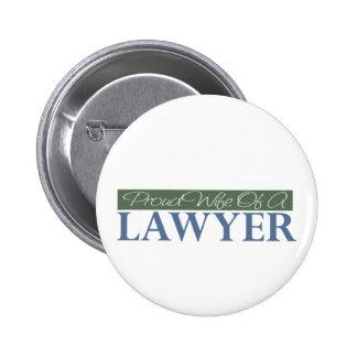 Esposa orgullosa de un abogado (verde) pin redondo 5 cm
