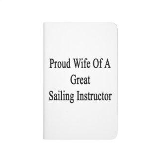 Esposa orgullosa de un gran instructor de la cuadernos