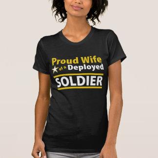 Esposa orgullosa de un soldado desplegado playera