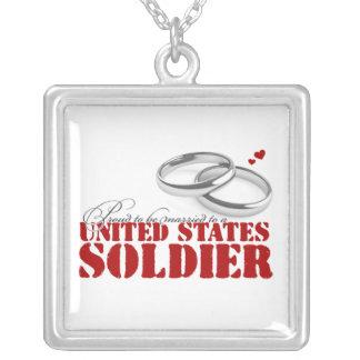 Esposa orgullosa del ejército collar plateado