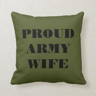 Esposa orgullosa del ejército de la almohada