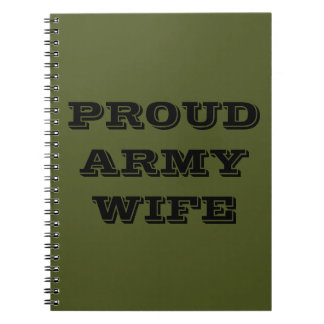 Esposa orgullosa del ejército del cuaderno