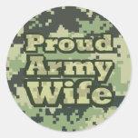 Esposa orgullosa del ejército etiquetas redondas