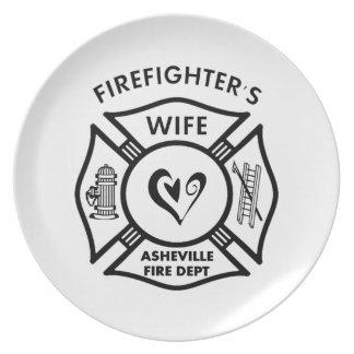 Esposas del bombero del departamento del fuego de  plato de comida