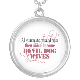 Esposas del perro de Bull del diablo, igual creado Collar Plateado