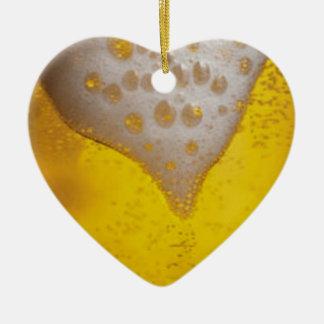 Espuma de la cerveza ligera adorno navideño de cerámica en forma de corazón