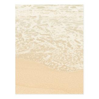 Espuma en colores pastel de la arena y del mar de tarjetas postales