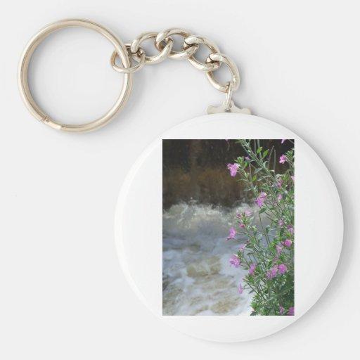 Espuma y flor llavero redondo tipo pin