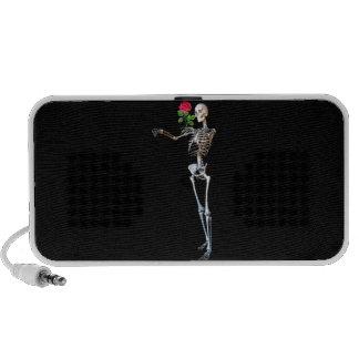 Esqueleto de Halloween con el rosa iPod Altavoces