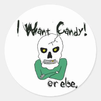 Esqueleto de la Truco-o-Invitación de Halloween Etiqueta Redonda