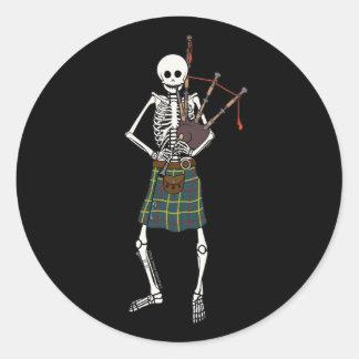 Esqueleto del gaitero pegatinas redondas