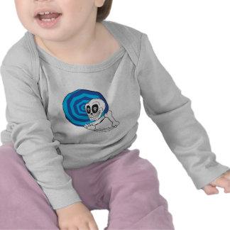 esqueleto en una enredadera del niño del remolino camiseta