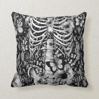 Esqueleto floral del cordón del idiota idiopático cojín decorativo