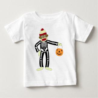 Esqueleto Halloween del mono del calcetín Playera De Bebé